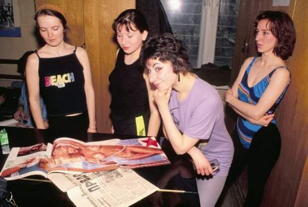 Московская школа стриптиза, 9 июня 1992 года.