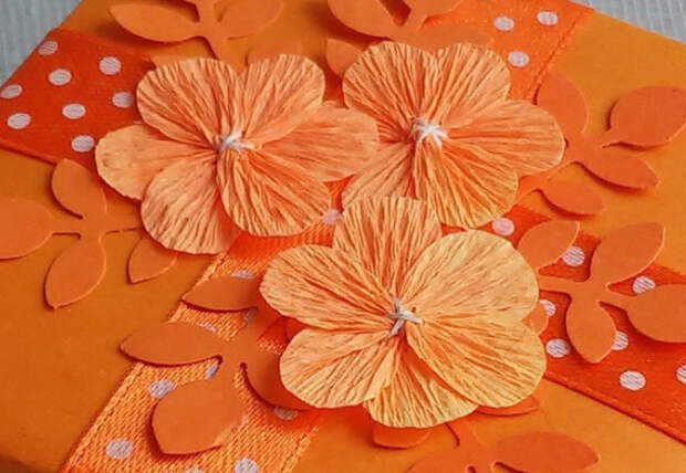 Цветы из гофробумаги своими руками (15)