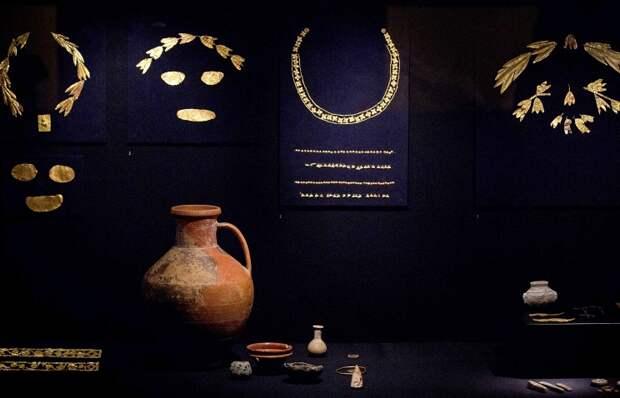 Суд Амстердама продлил до 21 октября срок ответа для музеев Крыма по делу о золоте скифов