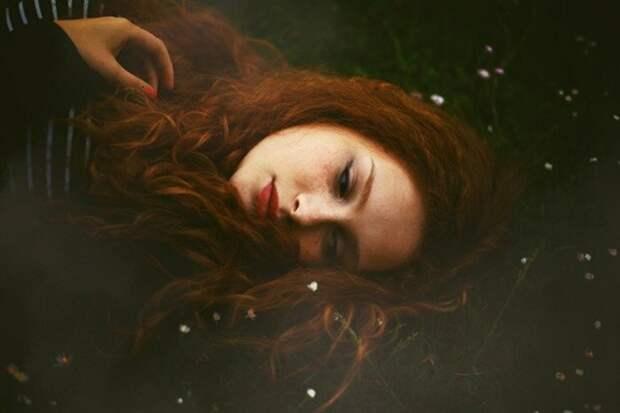 История несчастной любви или рыжая девушка.