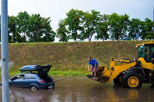 01-07-2015-zatopilo-dozhd-grad-groza-molniia-18