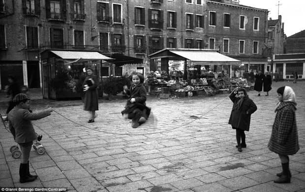 Чёрно-белая Италия
