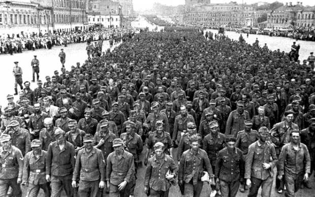 «Большой вальс» от Берии и Сталина: тайная сторона марша пленных в Москве