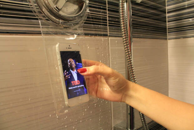 Ультратонкий водонепроницаемый чехол для телефона, который позволит оставаться на связи даже, стоя под душем.
