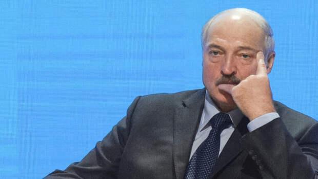 Раскрыл заговор: эксперт назвал возможную причину отставки сына Лукашенко