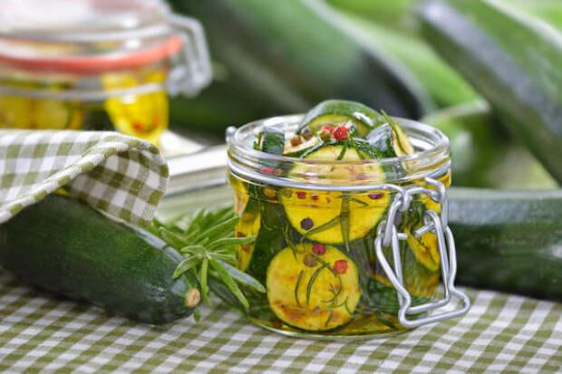Салат из кабачков в медовом соусе