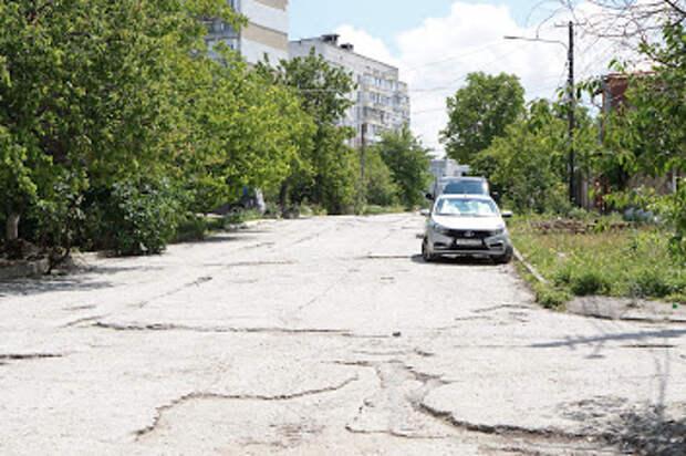 В Симферополе планируют снести более 100 незаконных построек
