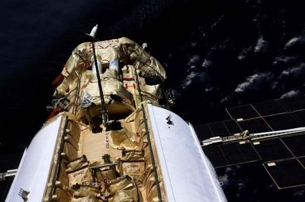 Космонавты с МКС провели видеоэкскурсию по новому модулю «Наука»