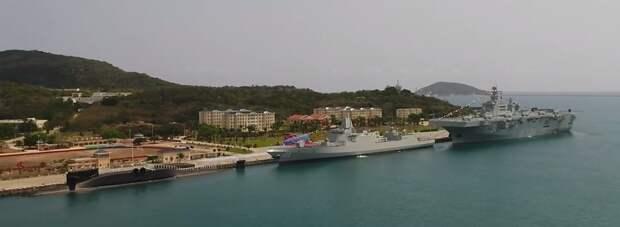 """Головной китайский универсальный десантный корабль """"Хайнань"""" проекта 075 введен в состав ВМС НОАК"""