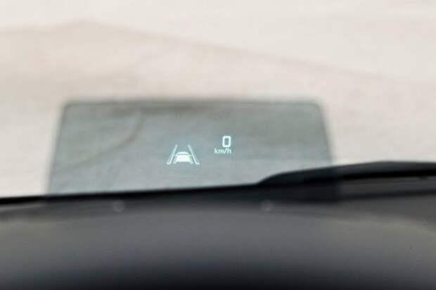 Новый VW Passat против одноклассников: ложка к обеду (ВИДЕО)