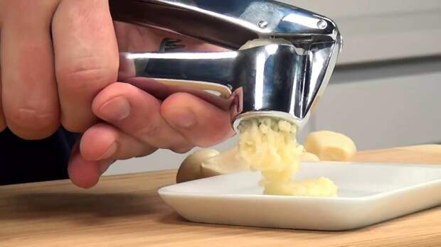 Зачем нужно в клей добавлять чеснок: возможности специй, которые есть на полке или в холодильнике