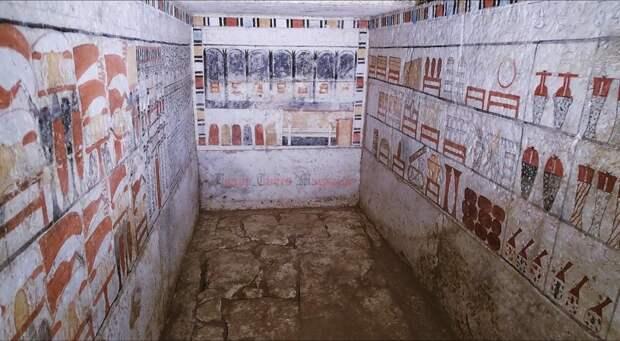 Две гробницы времен VI династии найдены в Египте