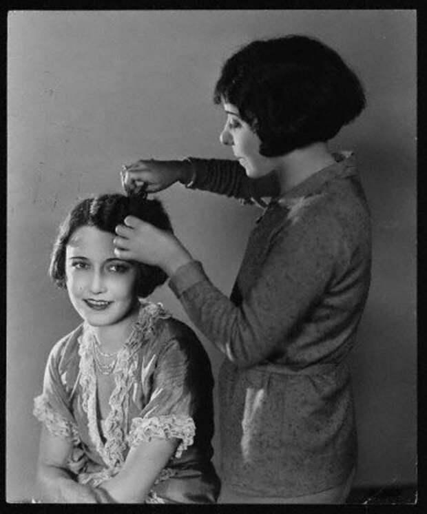 20 ретро-фотографий элегантных женщин с самыми модными прическами 1930-х годов