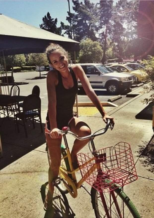 Девушки и велосипеды