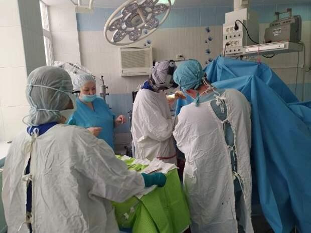 В Удмуртии врачи-нейрохирурги смогли восстановить череп мужчины, поврежденный отскочившим колесом