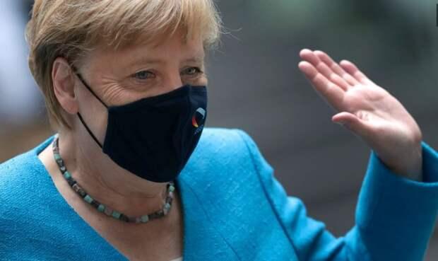 Меркель просит «предоставить медпомощь» Навальному
