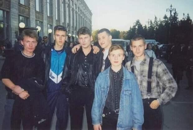 Редкие фото звёзд из 90-х