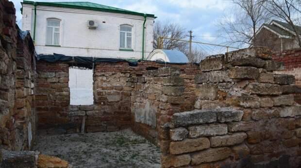 Развалины Старочеркасского музея Ростовская епархия превратит в братские кельи