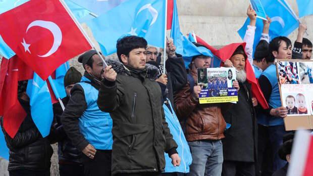 Турция сдает уйгуров Китаю в обмен на вакцину от Covid