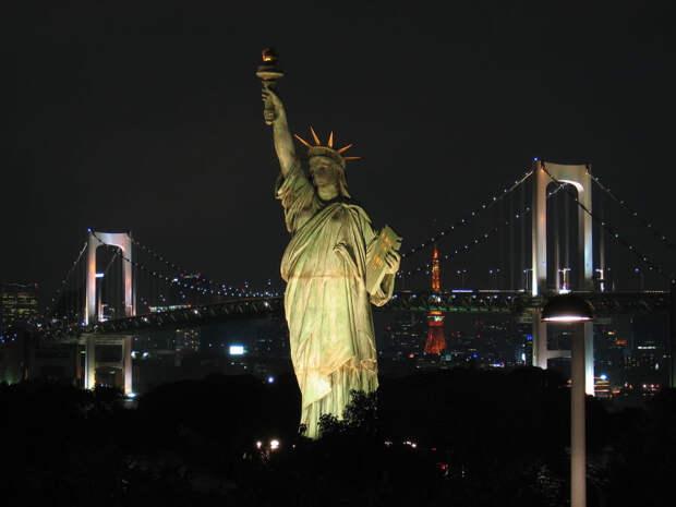 Статуя Свободы в Odaibo