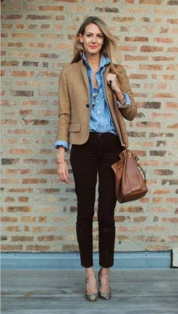 С чем носить джинсовую рубашку женскую в 2020: стильные идеи