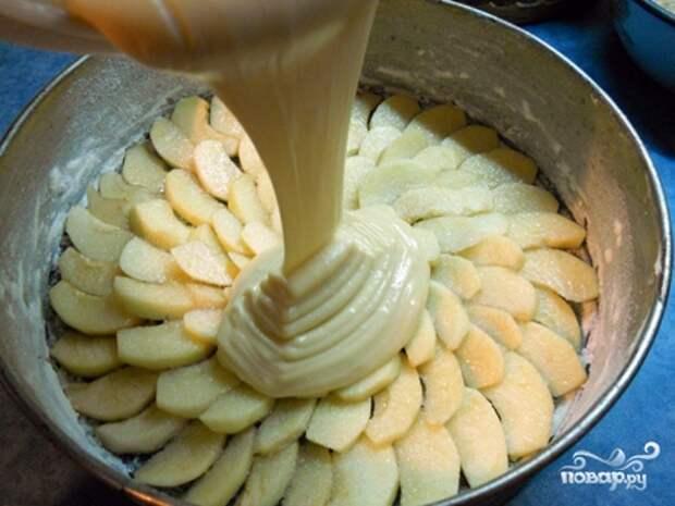Крем-тесто для яблочного пирога.