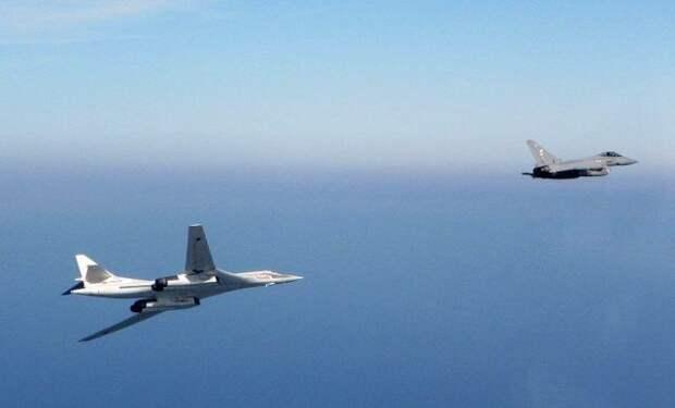 Российские ВКС «ответили» американцам: ВВС США заметили российских бомбардировщиков возле Аляски