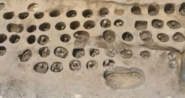В Японии найдены необычные круглые захоронения