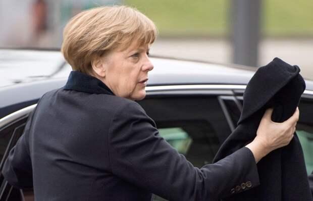 Меркель не поедет в Москву на парад Победы 9 мая