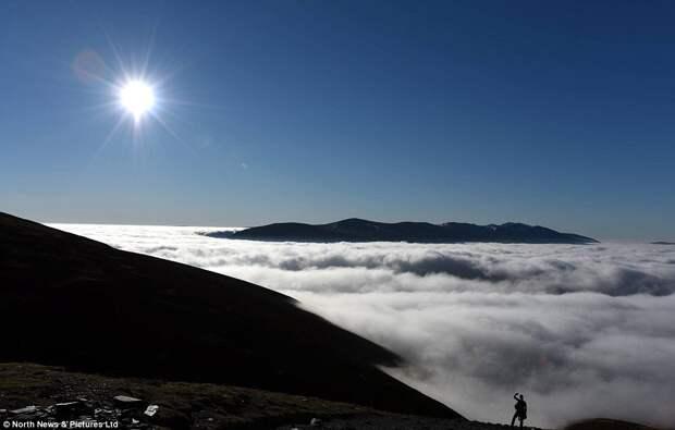 Невероятные густые туманы над Озёрным краем в Великобритании