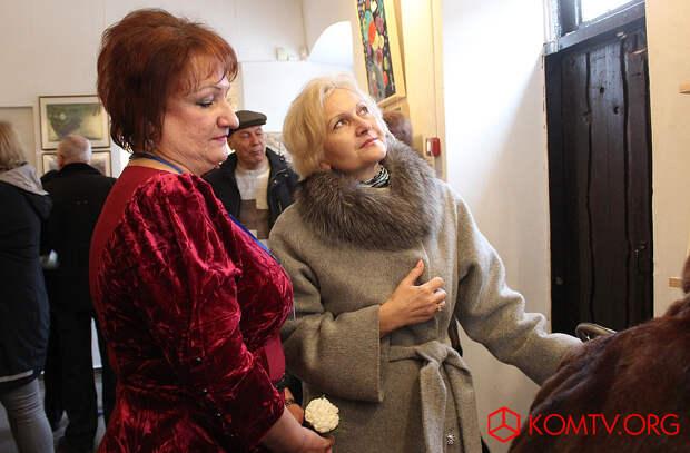 Директор музея Алла Кривенцова и Глава феодосийского муниципалитета Анжела Сердюкова
