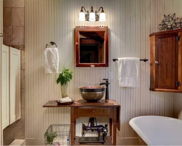 Подборка идей использования старой швейной машинки в ванной комнате: