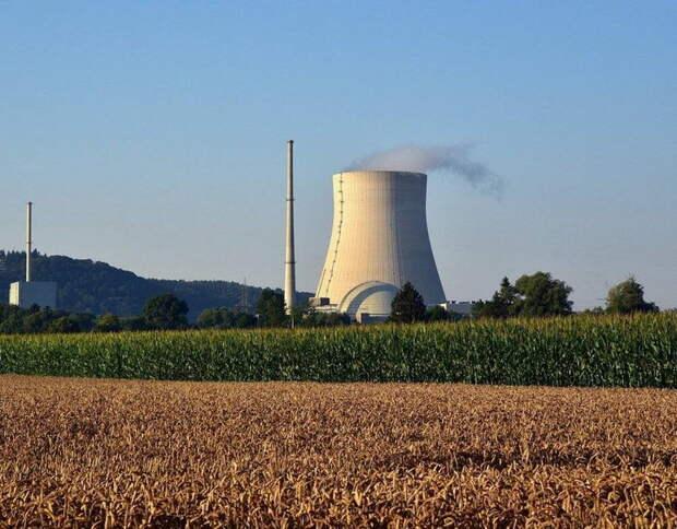 Отказываясь от газа из РФ, Польша хочет собственную АЭС: кто её построит