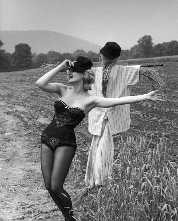 Летние девушки из 50-ых.