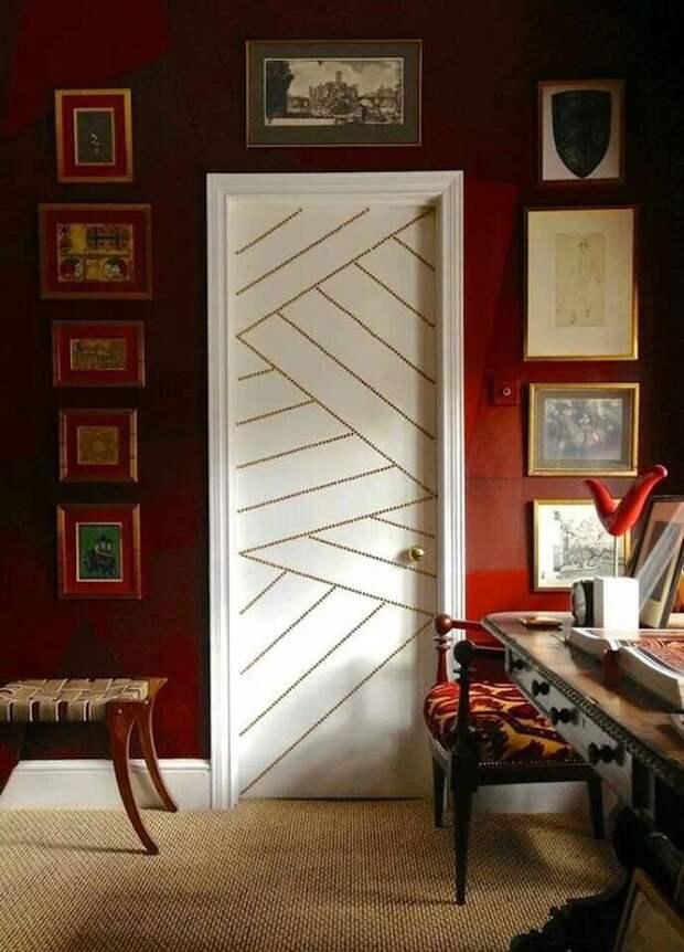 Двери с декором скотчем (подборка)