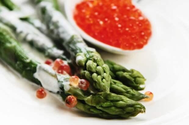 Спаржа: 5 эффектных рецептов и хитрости приготовления