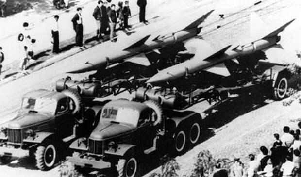 Зенитно-ракетный комплекс С-75 мог поражать цели на дальности до 43 км при скорости до 2300 км/ч. Это был наиболее широко применяемый ЗРК за всю историю советских войск ПВО. Фото из архива U.S. DoD