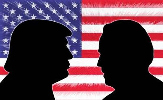 На фото (слева направо): силуэты Дональда Трампа и Джо Байдена на фоне флага США