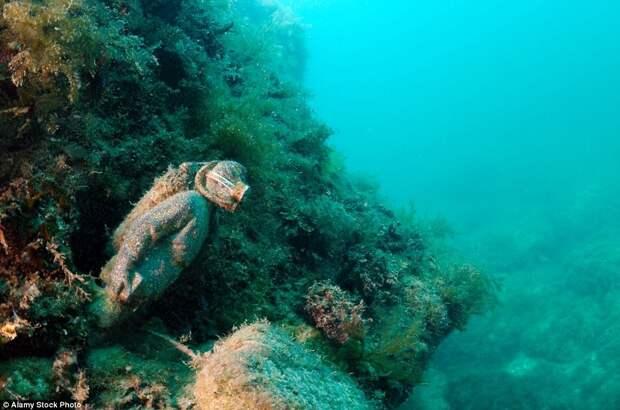 Подводный музей «Аллея вождей» на мысе Тарханкут в Крыму
