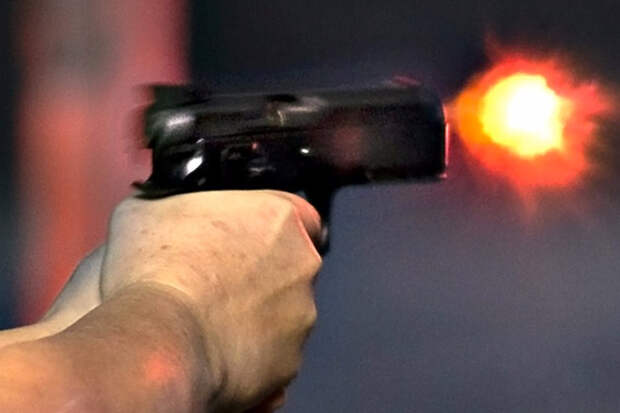 Стреляем в гранаты из пистолета