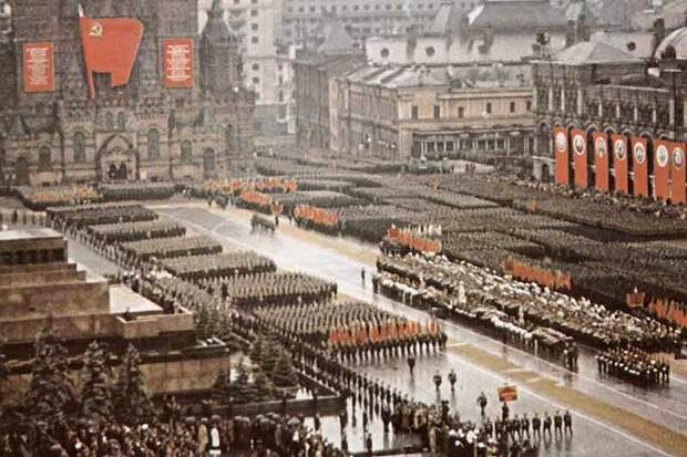 Кинохроника Парада Победы 24 июня 1945 г.