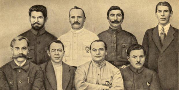 Командиры Первой Конной армии в Полевом штабе РККА. 1920 г