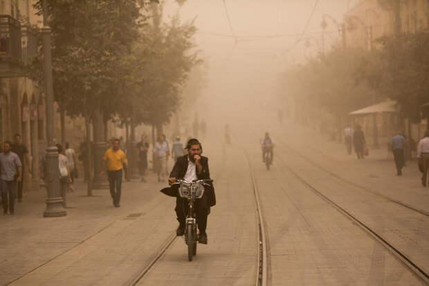 Пыльная буря в Израиле в фотографиях