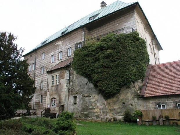 Замок Гоуска, Чехия история, мистика