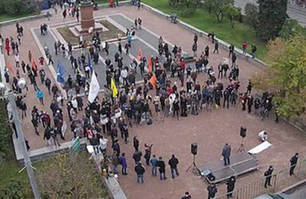 Митинг оппозиции за ИГИЛ поразил Москву