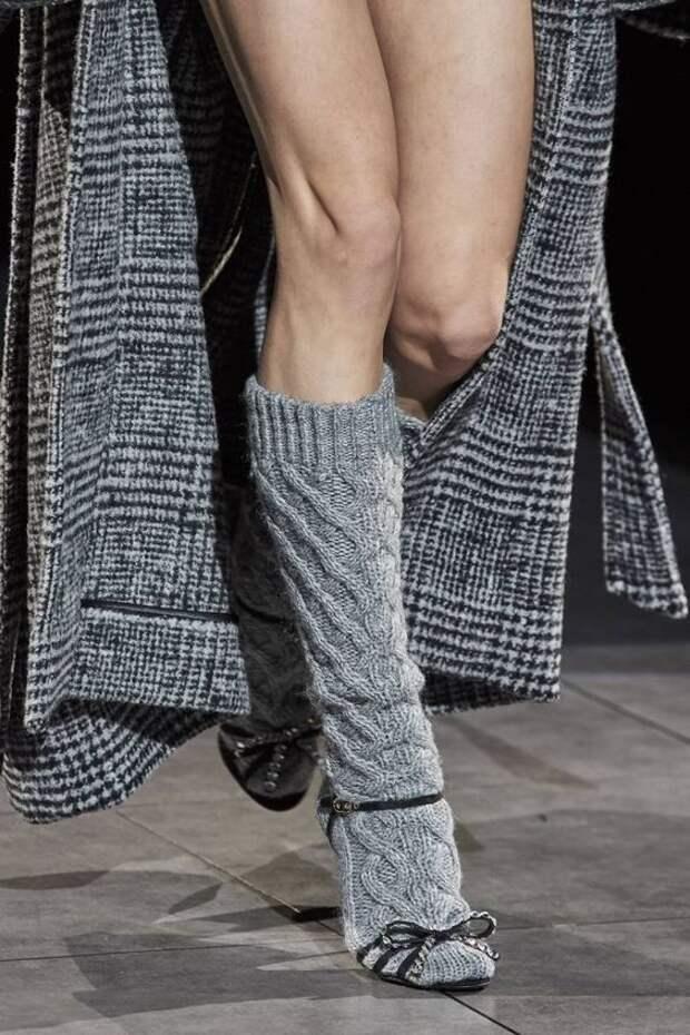 Какие колготки и носки выбрать для трендовых образов на зиму 2020-2021