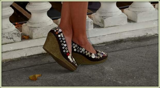 Декор обуви пуговицами (мои работы)