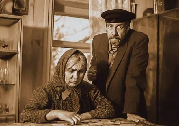 Кадр из фильма «Любовь и голуби», 1984