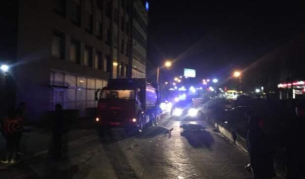 Подросток наскутере протаранил мусоровоз вРостове, погибла школьница