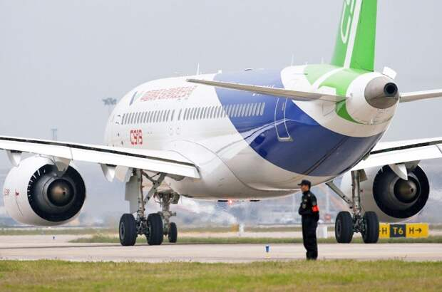 Первый полет китайского пассажирского самолета С919